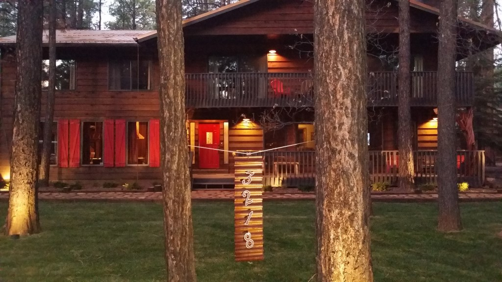 lakeside in pinetop cabin cabins rentals fireplace az arizona mountain woodpecker white interior