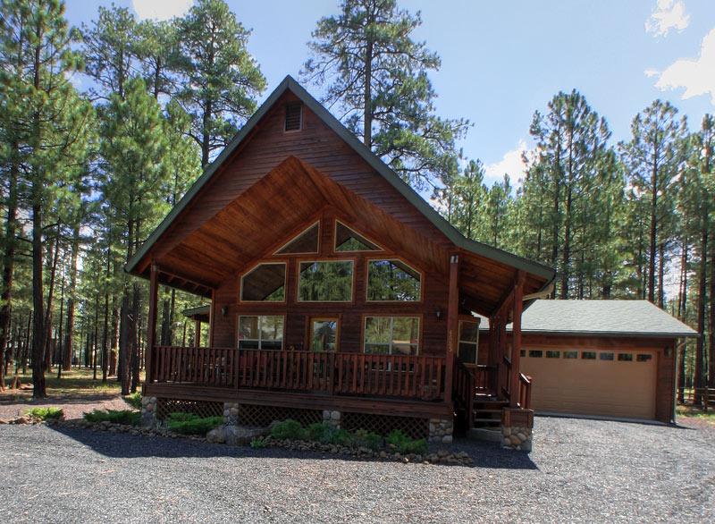 Kobeys cozy cabin for Cozy cabins rentals