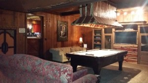 Cabin for rent in Pinetop with pool table